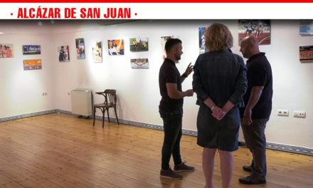 La exposición 'Puro Deporte' dedicada a los deportistas de FECAM se podrá visitar hasta el 16 de junio en la antigua Oficina de Turismo de Alcázar de San Juan