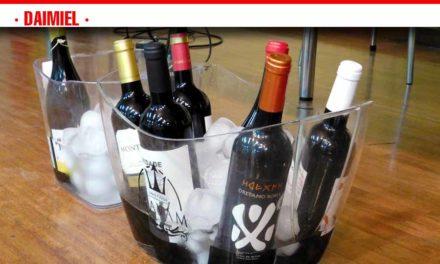 Teoría y práctica en el seminario 'Cata y protocolo del vino'