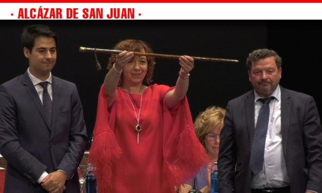 Formada la XI Corporación Municipal tras la toma de posesión de los 21 concejales en el acto de investidura celebrado en Alcázar de San Juan