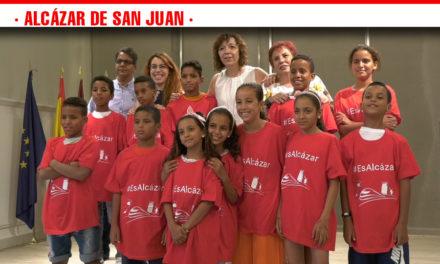 Trece niños saharauis ya disfrutan de su estancia en Alcázar de San Juan junto a sus familias de acogida