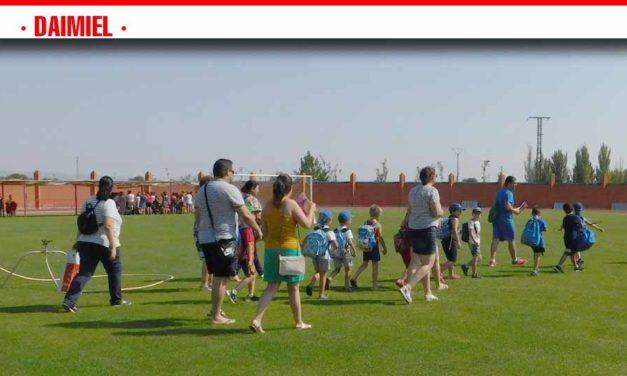 Más de medio millar de niños y niñas podrán disfrutar durante el mes de julio de la gran variedad de modalidades deportivas