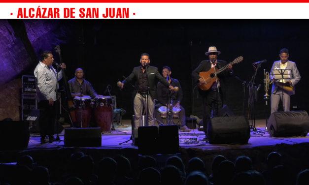 Los 'Jóvenes clásicos del son' transforman la cantera de los molinos de Alcázar de San Juan en una pequeña Cuba