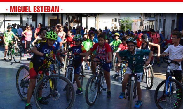 Más de 200 personas participaron en el Día de la Bici de Miguel Esteban