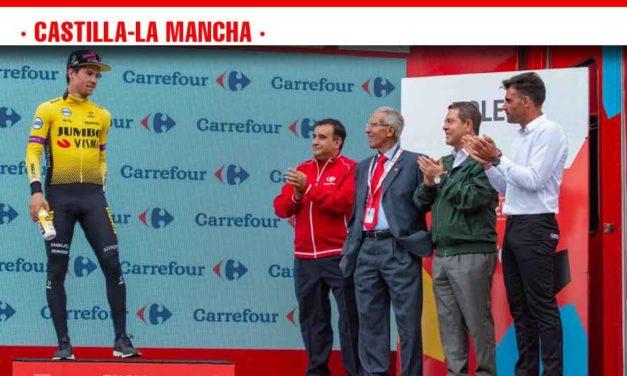 García-Page trabajará para que 'La Vuelta' vuelva a Castilla-La Mancha