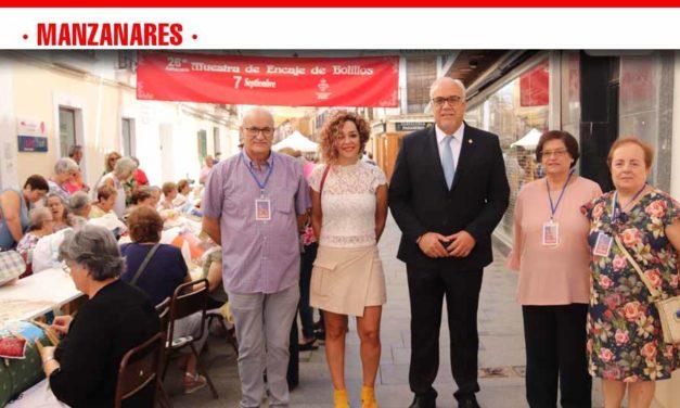 Más de 250 encajeras de bolillos participan en el 26ª encuentro 'Ciudad de Manzanares'