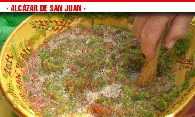 Pimientos y tomates de la tierra, ingredientes estrella del machacón en el tercer día de las degustaciones gastronómicas de la Feria y Fiestas de Alcázar de San Juan