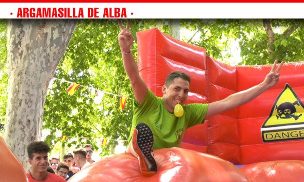 Más de 140 jóvenes llenan de color, risas y diversión la Feria de Día con el Concurso de Peñas de Argamasilla de Alba