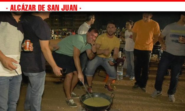 Más de 350 cuadrillas vuelven a reunirse en torno al fuego en la XXXIV Noche Popular de las Gachas Manchegas