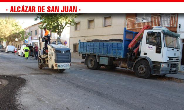 El Ayuntamiento de Alcázar pondrá en marcha en octubre  un nuevo Plan de Asfaltado