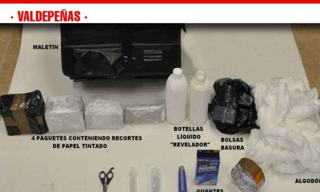 La Policía Nacional detiene en Valdepeñas a tres estafadores