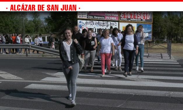 Inaugurado el paso de peatones que permite la accesibilidad al centro educatico EFA El Gamonal de Alcázar de San Juan
