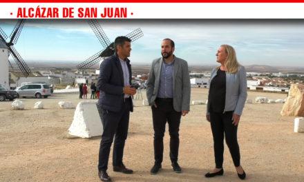 Miguel González y Carmen Mínguez candidatos socialistas han visitado la Sierra de los Molinos y el Silo de Campo de Criptana destacando su apuesta firme por un turismo de interior