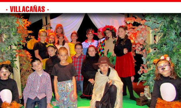 """Actores y actrices más pequeños de la Escuela Municipal de Teatro pusieron en escena la obra """"Saltimbanqui"""""""