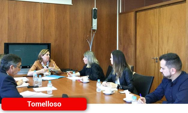 Inmaculada Jiménez mantiene una reunión con la Consejera de Educación, Cultura y Deporte