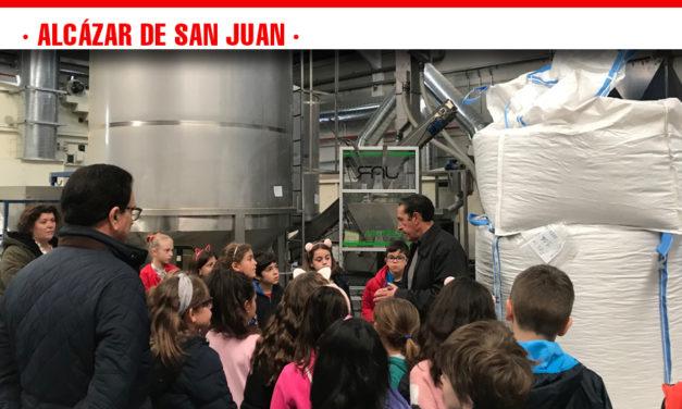 Alumnos del colegio Alces visitan,  con el Centro de Empresas, las instalaciones de Ecopistacho