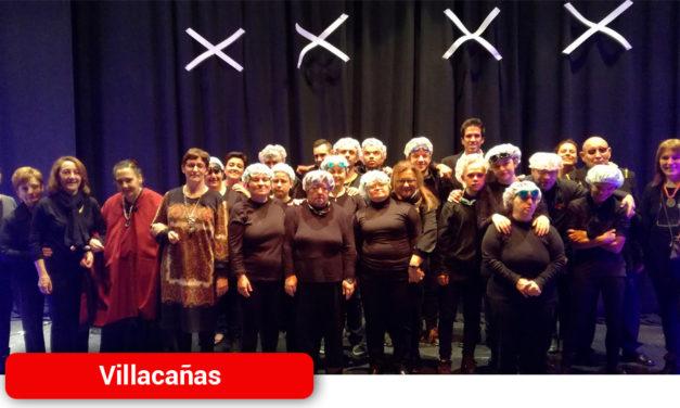 Grupo de teatro del Centro Ocupacional, ayer actuó para celebrar el Día de la Discapacidad