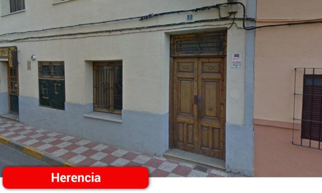 Un hombre de 56 años se dispara accidentalmente mientras manipulaba una escopeta en Herencia