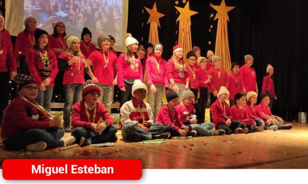 Derroche de talento y simpatía en el Festival Navideño del Colegio 'Cervantes' que organiza el AMPA