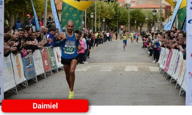Israel Prado consigue en Valencia la mejor marca de un maratoniano en la historia del club Saturno