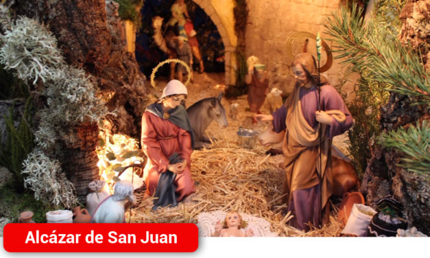 La Hermandad del Santo Entierro inaugura su belén que podrá visitarse durante los fines de semana