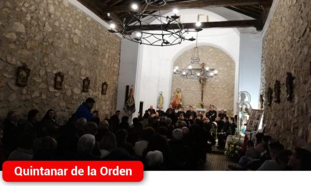 La Ermita de San Antón acogió anoche un concierto benéfico de música cofrade