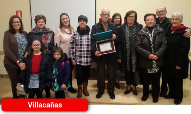 El Ayuntamiento de Villacañas reconocía ayer la labor de los voluntarios de una de las asociaciones de mayores