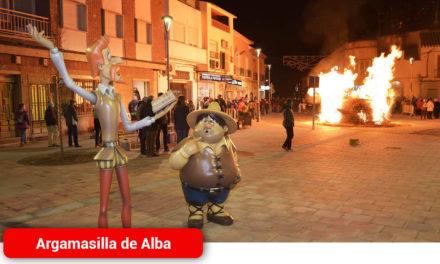 Las Hogueras de San Antón volvieron a iluminar la noche argamasillera