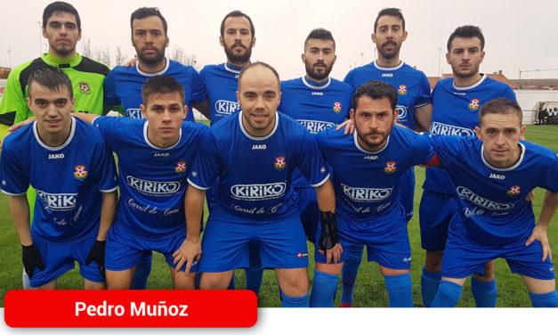 El Atlético Pedro Muñoz vence a Las Mesas y se coloca en zona de ascenso