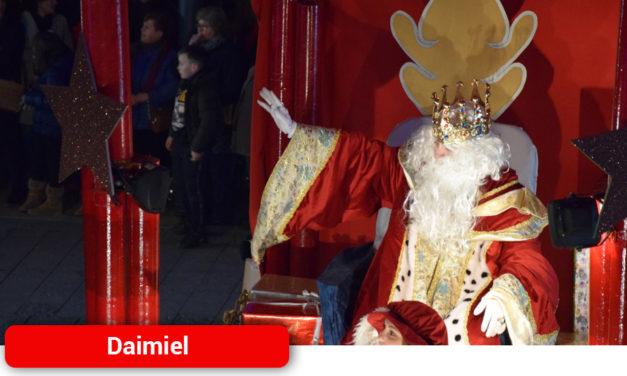 Los Reyes Magos contagian su ilusión por todo Daimiel