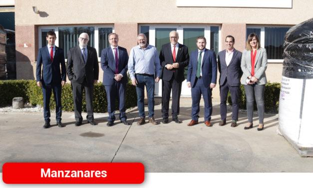 Nieva y Hernando: «Hoy hemos venido a trabajar en Manzanares y su proyección empresarial»