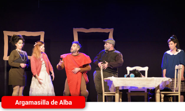 El grupo ilicitano Teatro en Construcción abre el XIV Certamen Nacional de Teatro Aficionado «Viaje al Parnaso»