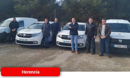 El Ayuntamiento adquiere cuatro nuevos vehículos para diferentes departamentos