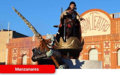 'El trono es nuestro' y 'El ejército de Juana de Arco' ganan el 29º concurso regional de carrozas y comparsas