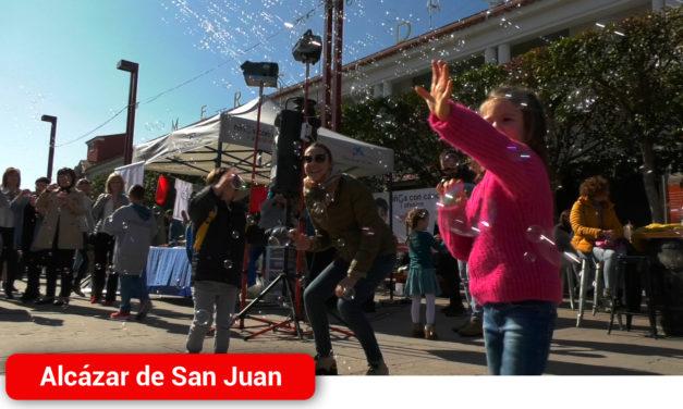 Alcázar de San Juan conmemora el Día Internacional de la Lucha contra el Cáncer Infantil