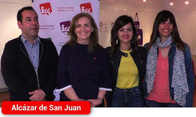 Sira Rego eurodiputada de Unidas Podemos ha visitado Alcázar de San Juan para tratar los recortes de la PAC