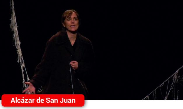 La posguerra española siembra de dolor y memoria el Auditorio de Alcázar de San Juan con el estreno de 'La voz dormida'
