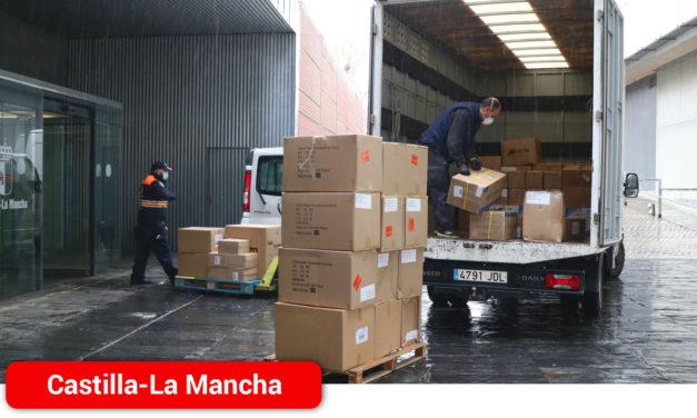 El Gobierno de Castilla-La Mancha realiza un tercer envío con más de 1,4 millones de artículos de protección para los profesionales de los centros sanitarios de la región