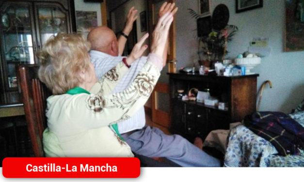 Fisioterapeutas del SESCAM elaboran consejos y tablas de ejercicio para que las personas mayores se mantengan activas