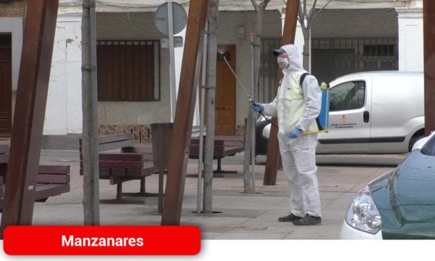 El Ayuntamiento de Manzanares refuerza su servicio de limpieza durante la situación de emergencia sanitaria
