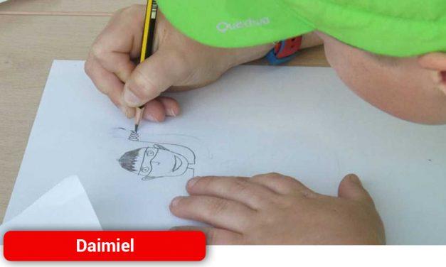 Cruz Roja lanza el concurso «Dibuja tu superhéroe o superheroína»