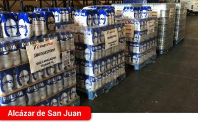 El Hospital Mancha Centro recibe 10.000 litros de agua, leche y refrescos gracias a la solidaridad de empresarios alcazareños