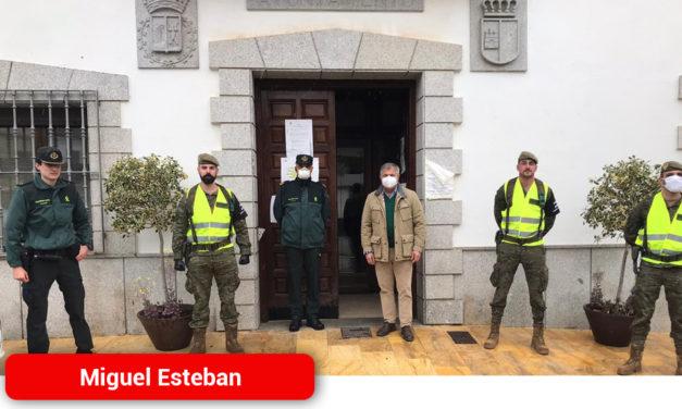 Militares del Ejército de Tierra visitaron Miguel Esteban