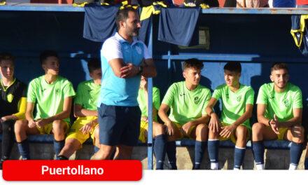 Alberto Serrano renueva con el Atlético Puertollano tras conseguir el ascenso a Liga Nacional