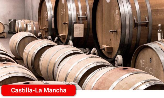 """La Región da una """"vuelta de tuerca más"""" en la calidad del vino regulando la entrada de uva a bodega con 9 grados como mínimo esta campaña"""