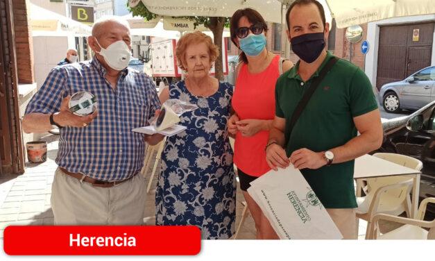 Sin encuentro pero con un detalle así conmemora el Ayuntamiento la Festividad de los Abuelos