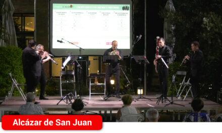 Los jardines del Hotel Intur acogen la primera actuación en directo del quinteto Ibertcámara, en los Escenarios para el Reencuentro