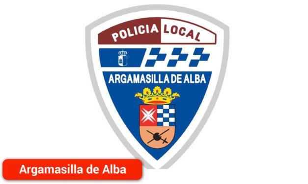 La Policía Local denuncia a 11 personas por realizar 'botellón' en la entrada principal del cementerio municipal