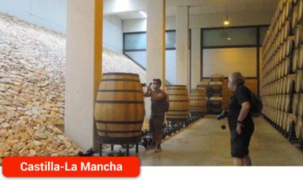 El Gobierno regional promociona las Rutas del Vino de la región a través de la experiencia de los autores del blog 'Guías Viajar'