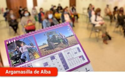 La Concejalía de Igualdad presenta un calendario para visibilizar a la mujer argamasillera en las actividades agrarias y ganaderas