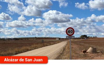 El Ayuntamiento instala 25 señales que limitan la velocidad en caminos rurales